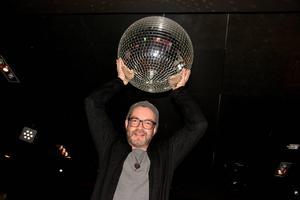 Om två veckor kommer diskokulorna att snurra ordentligt när det bjuds in till stort 80-talsdisko på E-street.