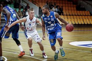 Brandon Petersen stod för 11 poäng och 12 returer i förlusten mot Tampereen.