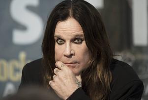 Legendariske hårdrocksångaren Ozzy Osbourne fångade Emils läsintresse.