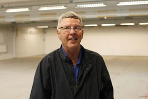 Ulf Kjärnet, ägare till Kjärnets fastigheter, tänker vänta med att göra om lokalerna tills han vet om de ska användas som butik, lagerlokal eller kanske industriverksamhet.