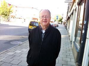 Språkvetaren Bengt Oreström från Lund bringar klarhet i några ortsnamnsmysterier i Sandviken.