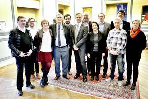 Mest män bland ordförandena i de kommunala bolagen och nämnderna. Här ser vi Lars-Göran Ståhl (S), Daniel Olsson (S), Lena Lundgren (S) Hans Wahlström (S), Ahmed Amin (S), Jörgen Edsvik (S), Lars Öberg (S), Inger Schörling (MP), Martin Vadelius (S), Jens Leidermark (S) , Tord Fredriksen (V) och Mona Kolarby (S). På bilden saknas Eva Älander (S), Per Johansson (S) och Helene Börjesson (MP).