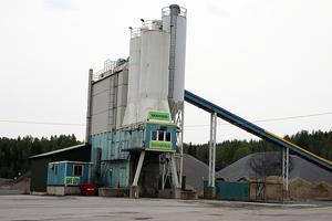 Skanska stänger denna anläggning för betongproduktion i Kramfors.