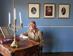 Marie Antoinette är utgångspunkten i Carita Järvinens boudoir. Foto: Moa Lindstedt.