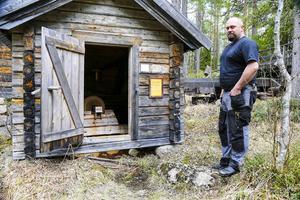 Det var här det började. Byalaget fick för sig att restaurera den gamla slipen och sedan växte det till ett helt skogsmuseeum om livet och arbetet i skogen på 1800- och 1900-talet.