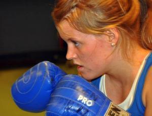 Matilda Stein-Åslund har inte givit upp sin egen träning bara för att hon stoppats från att gå matcher. Nu har hon dessutom fått nytt hopp om att få ut sin tävlingslicens.Foto: Hans-Råger Bergström