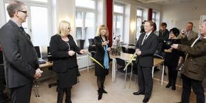 I januari i år invigde landshövdning Barbro Holmberg KFG:s jobbstation i Gävle. I går kom beskedet att arbetsförmedlingen säger upp avtalet om jobbcoachning med företaget.