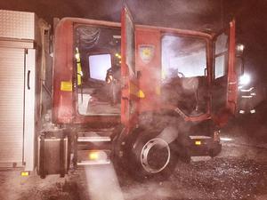 Ånge räddningstjänsts brandbil fattade eld och kunde till slut släckas med hjälp av pulversläckare.