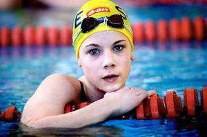 Dubbla brons. Josefin Lindkvist, Ludvika SS, tog brons både på 100 meter fritt och 400 meter fritt vid Sum-Sim-finalerna i Malmö.