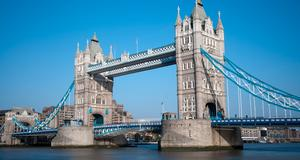 Tower Bridge i heta London.