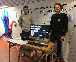 Martin Tjern och Gustav Lidberg har gjot ett simuleringsverktyg för cykeltrafikflöden. Nu är de finalister i Utställningen Unga Forskare.