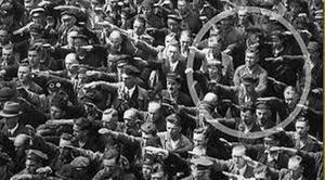 August Landmesser - går mot strömmen.