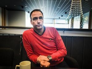Mikael Eriksson fokuserar fullt på helgens matcher, där han även kommer att finnas i båset.
