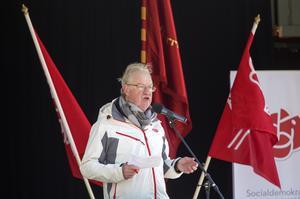 Olle Jansson hälsade alla välkomna till Societetsparken.