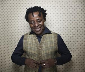 I mer än 30 år har John Akomfrah genom sin konst och sina filmer skildrat den afrikanska diasporan i Europa. ARKIVBILD.   Victoria Will/AP/TT