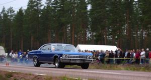 Drag. Roger Stenström var en av deltagarna i dragracingtävlingen på Wäsa Raceway på raksträckan söder om Wäsabergen. Foto:Börje Lindh