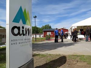 Nästan 200 gäster var på plats när 3D-printföretaget AIM Sweden invigdes på Frösö Park.