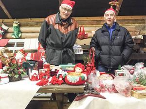 Staffan Söder och Arne Halvarsson sålde julpynt.
