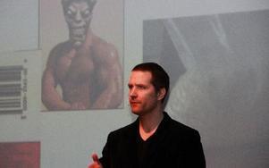 Magnus Sjödén, narkotikapolis, informerade föräldrar om farorna med droger och vilka droger som ungdomar i Säter kan komma i kontakt med. Foto: Sylvia Kjellberg