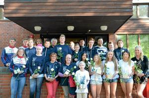Framgångsrika. På måndagkvällen hyllades Hallsbergs kommuns medaljörer 2014 av fullmäktige. På plats var 25 av de 36 idrottarna. Foto: Barbro Isaksson