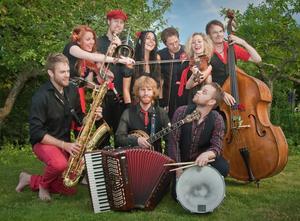 Apolonia utlovar musik som går att dansa till. På lördag spelar bandet i Näsåker.