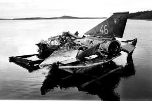 Drakenplanet som störtade i Storsjön en dag i oktober 1977.