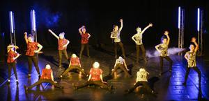 Gruppen 05-06 söndag visar upp Mulan.