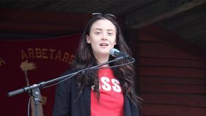 Linnea Costa Lindgren, ordförande för SSU i Fagersta, första maj-talade om arbetslöshet och skolan.