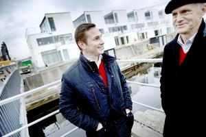 Dubbelt prisad. Lars Andersson och Lennart Hagljung är ett bra team. Idén med de moderna radhuslängorna på Gävle Strand har gett dem byggnads- och miljönämndens nybyggnadspris.
