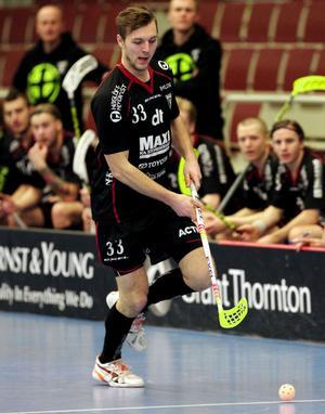 Johannes Larsson gjorde två viktiga mål i IBF Faluns 10–7-seger.