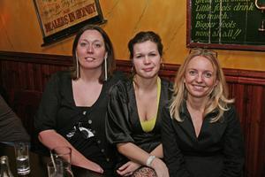 Harrys. Jessica, Anette och Lena.