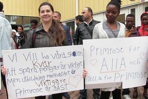 Protester på Primrose mot nedläggningshot. Svenska för invandrare och Komvux.