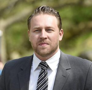 Mattias Karlsson (SD) vill villkora stöd till folkbildning med att innehållet stärker