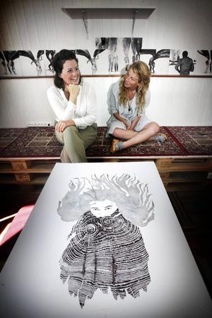 Lördag 27 september bjuder Helene Gedda och Clara Bodén in till boksläpp och vernissage på Tullgatan 6 klockan 12–16.