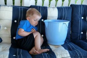 Sjuk. Treåriga Erik Wahlborg blev sjuk sedan han badat på Strandbaden i torsdags.