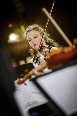 Charlotte Fregelin i rampljuset. Violinisten var konsertens värdinna i den gångna veckans Spotlight.