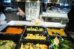 Många små leverantörer gör det svårt att upphandla lokala grönsaker.