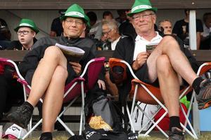 Per Kastman och  Ingemar Hägg har som tradition att besöka Bollnästravet under semestern. – Det är årets höjdpunkt, säger Per Kastman.