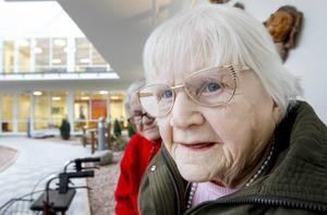 Greta Nilsson fyller snart 103 år och trivs på Nyviksvägen.   – Det är egentligen detsamma var jag är någonstans, jag är ändå samma person, säger hon.