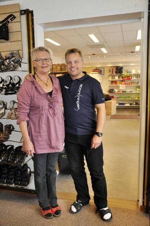 Branden i Granenhuset var en stor katastrof, men den var faktiskt inledningen till att butikerna i huset började samarbeta, intygar både Kerstin Holmberg och Görgen Åström.