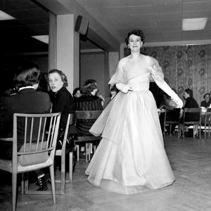 Modevisningar var mycket populärt på 50-talet. Torstenssons hade sina visningar, men också andra butiker.