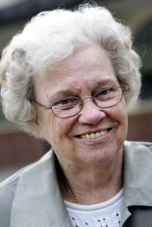 Karin Strömgren, 84 år, pensionär, Sundsvall:- Jag tycker mycket bra om Ewa Back.