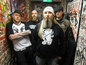 Chainwreck består av Sonny Jonasson, Björn Tauman, Mathias Henrysson, och Emil Lantz.