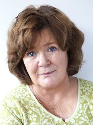 """En god berättare. Majgull Axelsson återkommer med """"Moderspassion"""". Hon vann Augustpriset för """"Aprilhäxan"""" 1997, har också skrivit bland annat romanerna """"Rosario är död"""" och """"Långt borta från Nifelheim""""."""