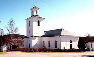Det nya tankstället i Nordingrå ska ligga granne med kyrkan.