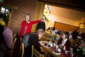 Diakon Elisabeth Linde bjuder in till mat.