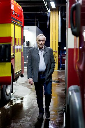 Peter Bergh har tidigare varit ansvarig för ambulanssjukvården i Gävleborg. Nu är han ordförande för den fackliga organisationen Brandmännens riksförbund.
