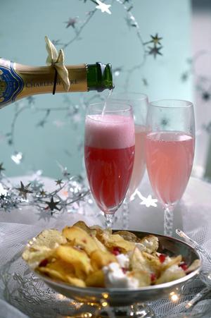 Allt vin som bubblar är inte champagne men andra mousserande viner kan vara minst lika bra. . Vid årets provning höll flera av rosébubblorna god kvalitet.