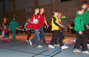 Entusiasm. Unga föreningsrepresentanter tog hallen i besittning.