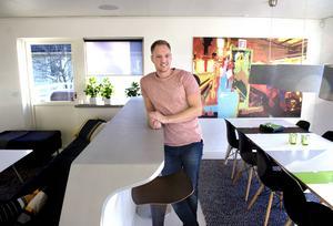 Ola Sevandersson har flyttat till Alnö för att komma närmare sin son.
